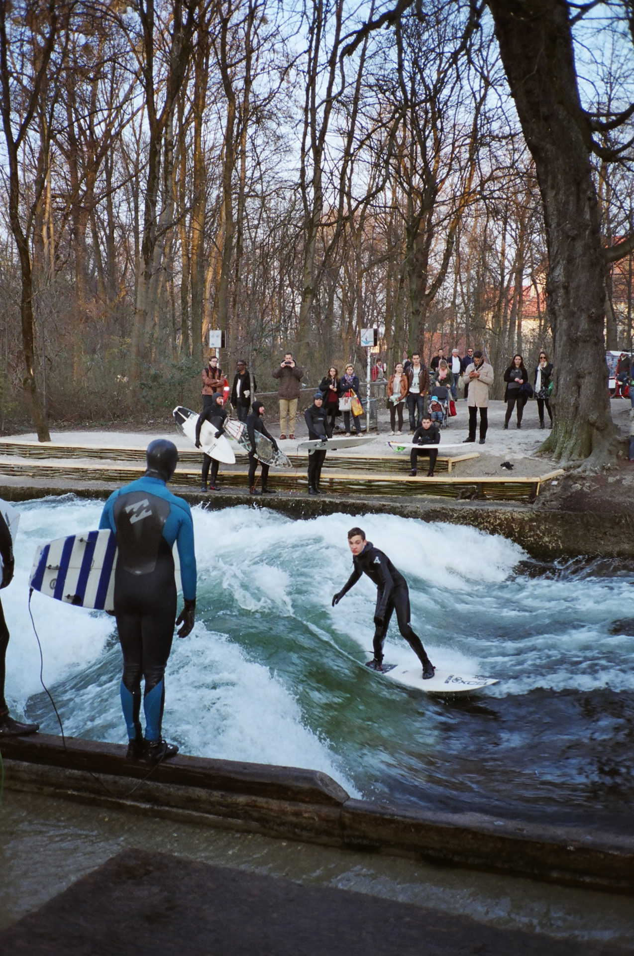 lukas brunner surfer eisbach munich surf ben bishop